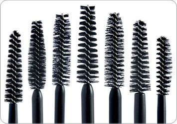Trick #01 You CAN achieve big, fat lashes with ANY mascara you have. Yes, that's right, ANY of them. The trick is in the application. Instead of simply running the mascara wand from root to tip, apply the mascara in a zigzag manner. This way, the formula settles on the lashes, making you achieve that volumized look.