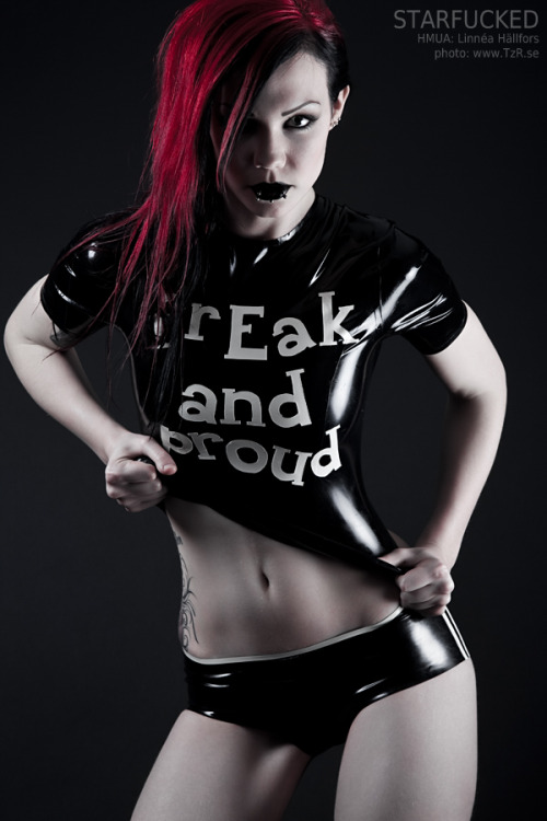 vi0letmassacre:  Freak and proudby *TzR Model: StarfuckedHair & make up: Linnéa HällforsTop and knickers: Abstinence Latex -do not remove credits-