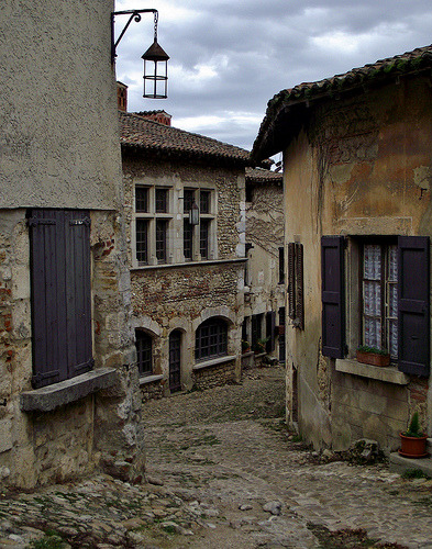 Cobbled streets (by jcm715) Pérouges, Rhone-Alpes, France