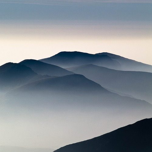 fleeckr:  Misty mountains (by weatherchap)