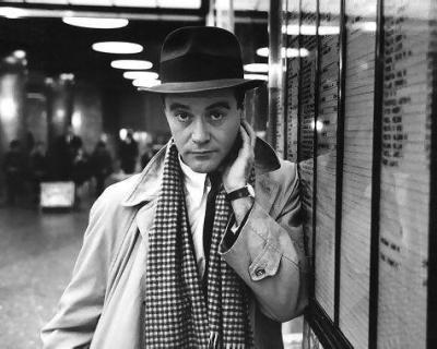 iloveretro:  Happy Birthday Jack Lemmon (1925-2001)   I repeat, funny guys are the most attractive guys