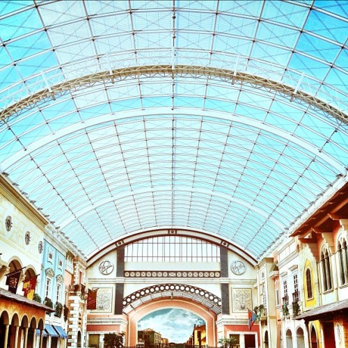 #dubai #uae #italian #interior #skylight #sharp #crossprocessed #statigram #camera+ (Taken with instagram)