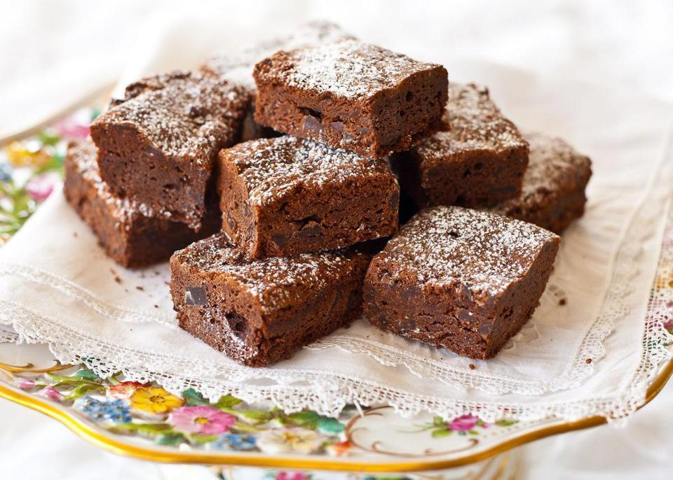 Recipe for vanilla-scented chocolate-chip brownies - Cake-like brownies unite two beloved elements in a baker's repertoire: cake and chocolate.  (SALLY PASLEY VARGAS FOR THE BOSTON GLOBE)
