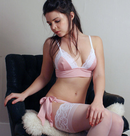 Sandmaiden Sleepwear via: The Lingerie Addict