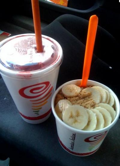 Jamba oatmeal & a smoothie yummmy lunch!!!*=)