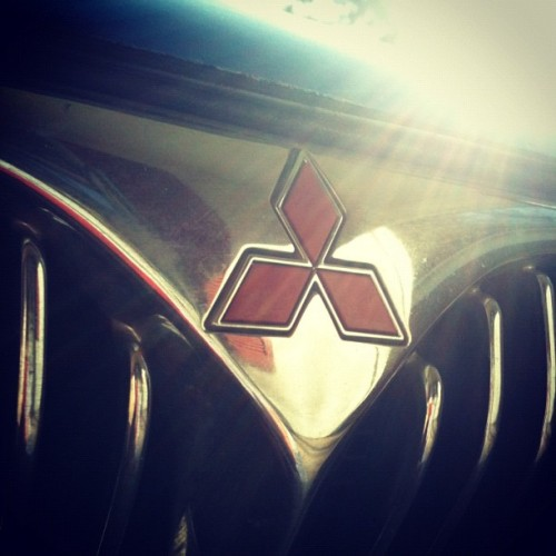 sethasaurusrex:  #mitsubishi #galant #lovemycar #awesome #iphoneography #black #red #silver #1999 (Taken with instagram)