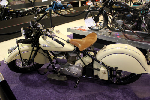 Cream Colored Dream Motorcyclepedia's 1941 Indian Chief