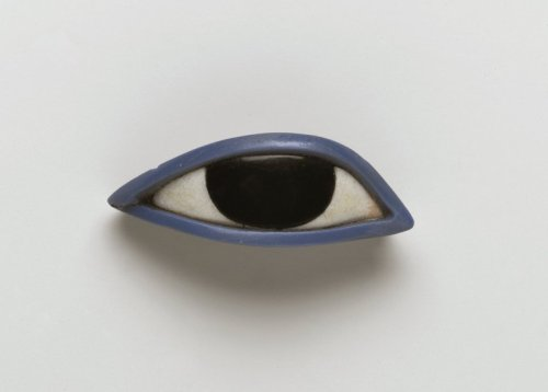 humanly: Right eye from an anthropoid coffin, Egypt, 1539-30 BC