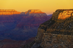 Grand Canyon last sunbeam by philippe* on Flickr.