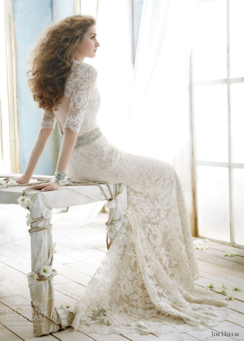 whitedream:  By Jim Hjelm Follow my tumblr for more beautiful wedding dresses (: