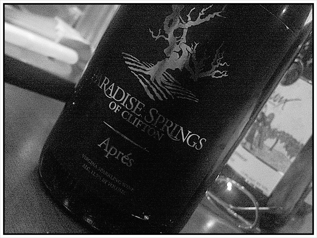 Sparkling Viognier (methode traditionelle) from @paradisesprings #winechat (Taken with picplz.)