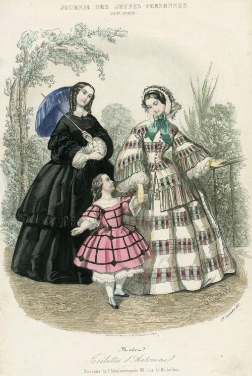 Day dress for women and girls, 1857 France, Journal des Jeunes Personnes