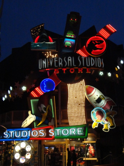orlandothemeparks: The Universal Studio Store at CityWalk in Orlando