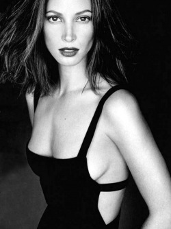 iluvskinnybitches:  christy turlington