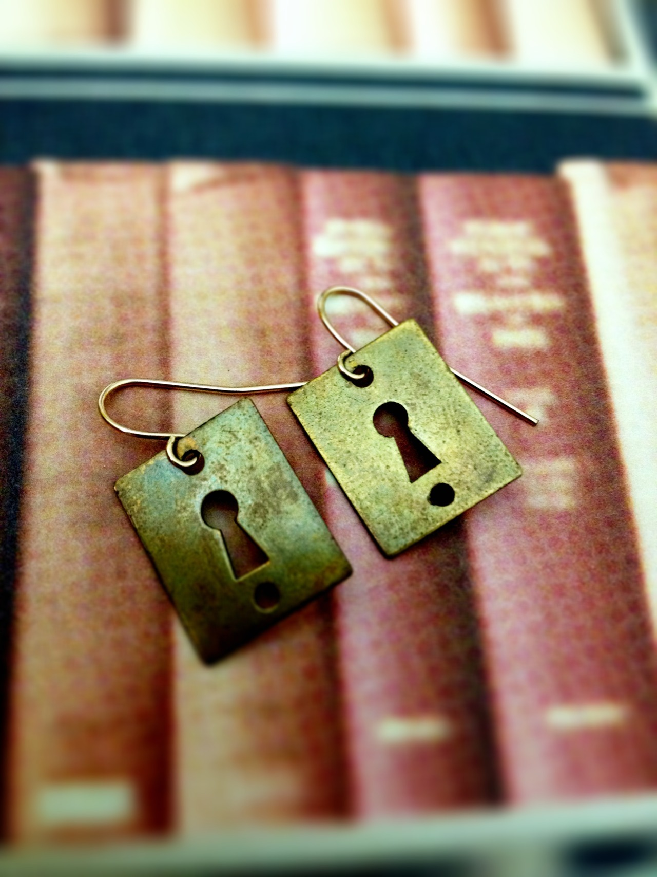 Keyhole Earrings <3