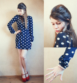 Polka dots rule. Zooey Deschanel!