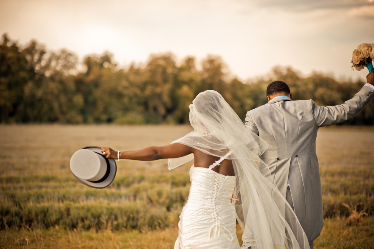fuckyeahweddingideas:  Submitted by vopoku
