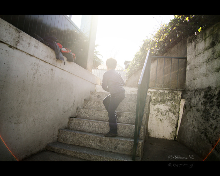 Children's games. | 25mm 2.8 | © Damien C. 2012