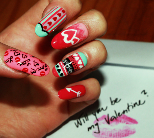 wahnails:  How much do we love this nail pic by our Original OG WAH Girl, Simona?!!? Remember its £5 OFF VALENTINES NAILS SAT-TUES!! Go see her at Oxford Circus on Monday and Tuesday!!
