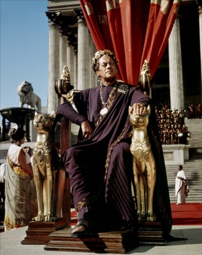 tinywaitress:  Caesar waiting for Cleopatra's entrance into Rome.