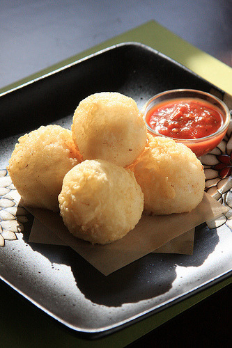 Molecular Vegan: Deep-Fried Ricotta Puffs (by Jeff and Erin's pics) Recipe at Olives for Dinner
