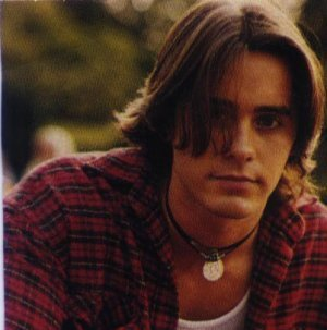 oh hot damn Jordan Catalano. Why couldn't there have been a guy with such great hair at my high school. Fuck i feel like i missed out.