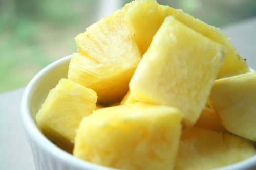 phresssh-fruit:  pineapple yo