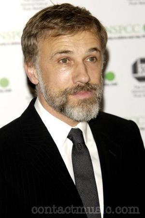 Christoph Waltz, Ryan Gosling (father-son, uncle-nephew)  Submitted by disposablecocoon