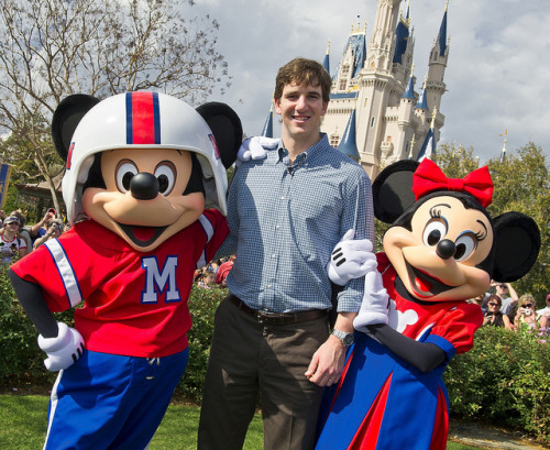 Minnie Mouse wants her some Eli Manning