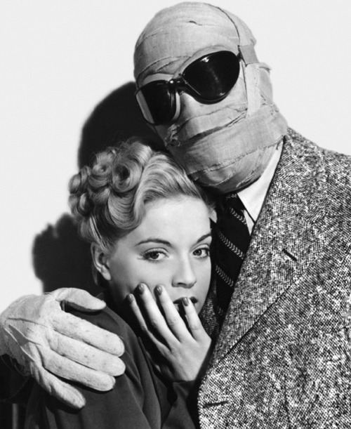 queenofhorrror:  Claude with Gloria in The Invisible Man. 1933.