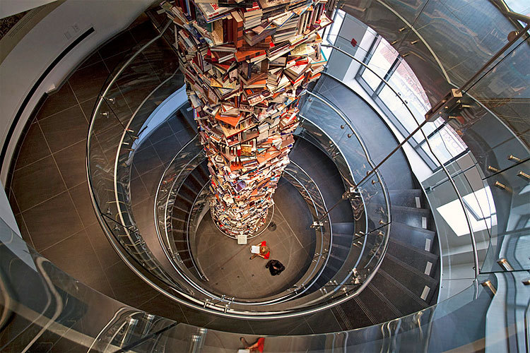 cjwho:  Tower of Books ~ http://bit.ly/yJtbok