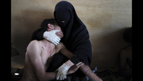 World Press Photo winners gallery and article on The Globe and Mail. http://bit.ly/zOuv3I Samuel Aranda/Corbis/The New York Times