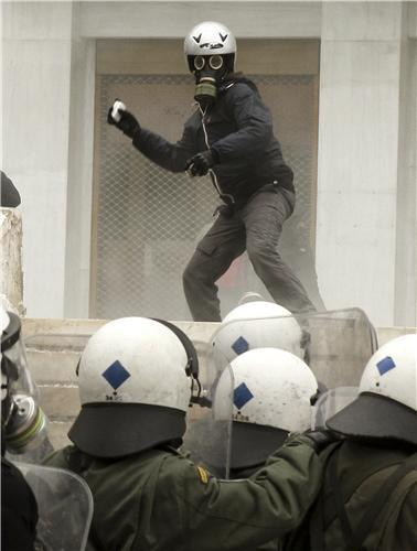 "Greece- 3ed Picture: ""cops they will eat your children""[S].."