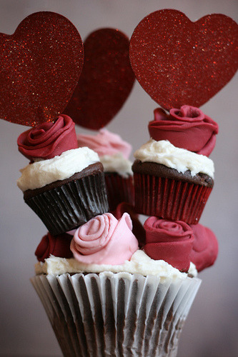 Towering Rose Cupcakes by Bakerella on Flickr.
