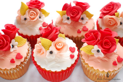 Happy Valentine's Day 2011 by Little Cottage Cupcakes on Flickr.