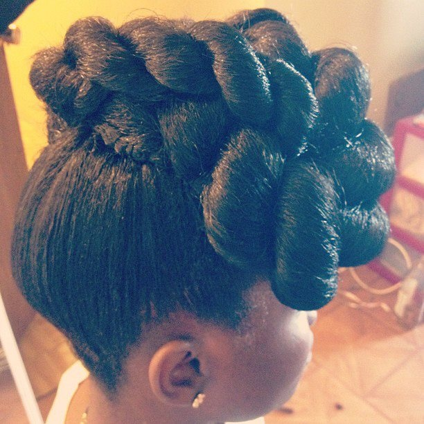 Sassy Hair via africancreature:  Hair by africancreature  Stay fab, join Sassy Nation http://sassynation.tumblr.com http://www.facebook.com/TheSassyNation http://twitter.com/#!/SassyNation