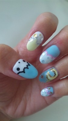 beautylish:  Aren't Beautylish Beauty Lucy L.'s Sanrio/Little Twin Stars nails super adorable?