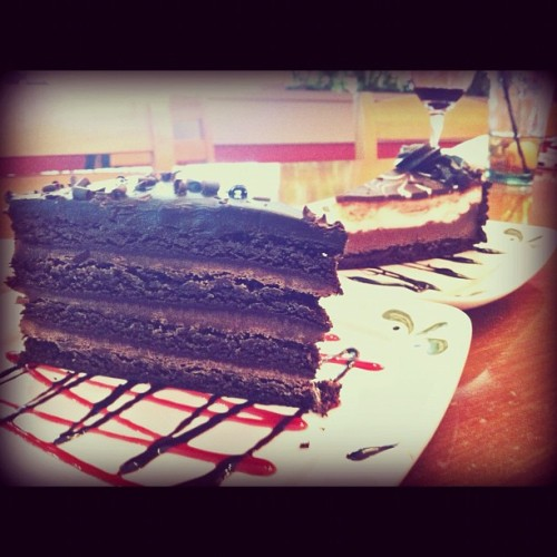 Duh zert 🍰#instagram #ig #igdaily #igers #webstagram #instamood #instagood #instafood #picoftheday #bestoftheday #iphoneography #iphone4 #food #italian (Taken with instagram)