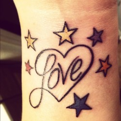My brand new ink ^_^ #love #tattoo #girlswithtattoos #tattoed #new #stars #heart #ink #rainbow #missmurderr #wrist #mine (Taken with instagram)