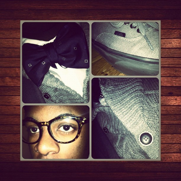 #todaysoutfit #vans #h&m #uniqlo #eyewear #frames #bowtie #cardigan #blazer #chinopants  (Taken with instagram)