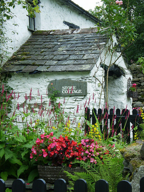 cdurf:  Stone Cottage by Bryz tries on Flickr.