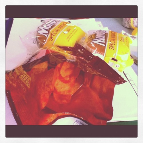 Day11: what makes u happy. #food #chips #monde's mammon (Taken with instagram)