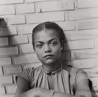 vintageblackglamour:  Look at Eartha's dress.