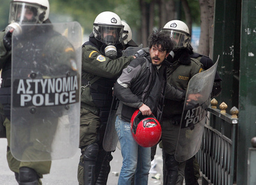 Greece: Protesters Clashes With the Police…