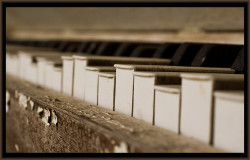 old piano keys by revelljosh on Flickr.