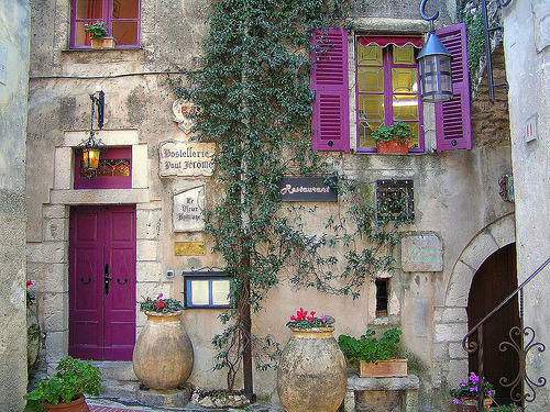 Purple Shutters, Restaurant, Provence, France photo via myflight