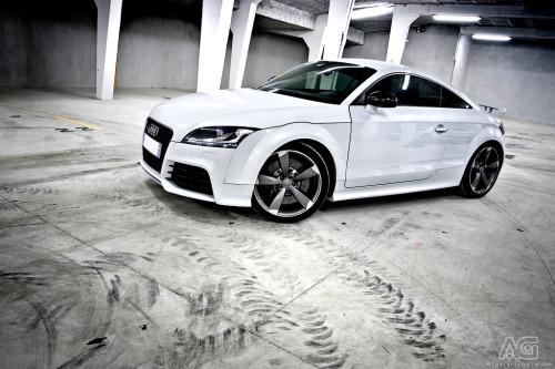 TTRS Garage Audi White cars quattro