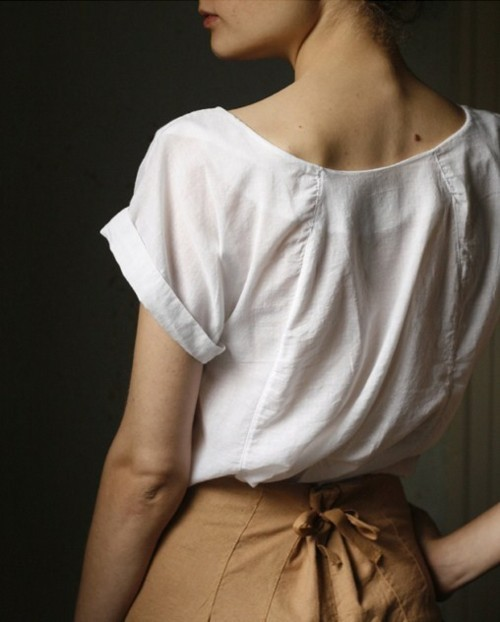 tocamelot:  Why can I never find blouses this beautiful?