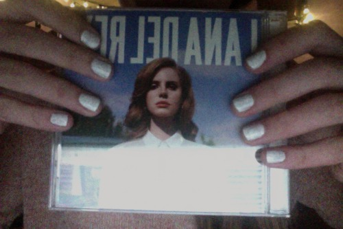 guess who just got the Lana Del Rey CD!
