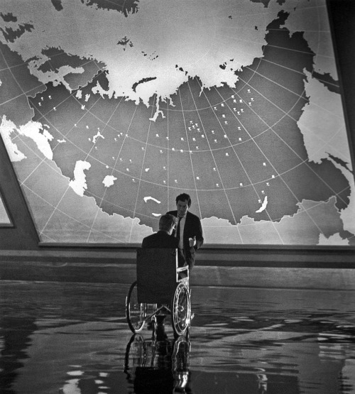 strangewood:  Sellers and Kubrick on the set of Dr. Strangelove